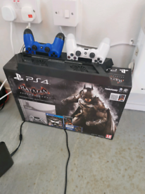 Batman Ps4 500gb console with 2 controllers