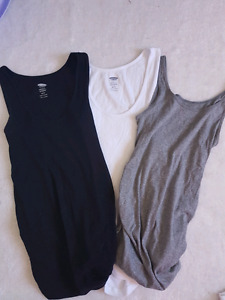 Old navy 4 maternity tank tops