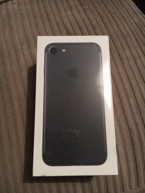 Apple iPhone 7 128gb matte black new sealed Vodafone