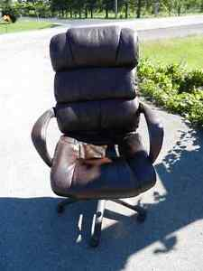 Brown Leather Office Chair $20.00