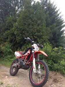 2012 Beta 350rr - Steet legal - 62 hrs - 1000 km