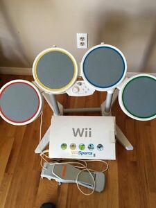 WII SYSTEM WITH 8 video games Windsor Region Ontario image 1