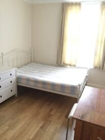 Turnpike lane double room to rent