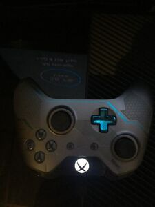 Xbox One console w games Windsor Region Ontario image 2