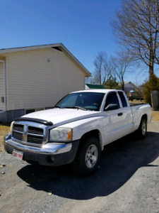 2005 Dodge Dakota SLT V8 RWD