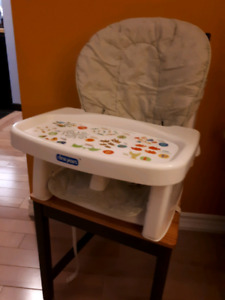 High chair + freezer cubes + spoons and other