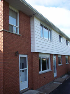 Student Rental - 2 Rooms Available - 8 month LEASE (Sept - Apr)!