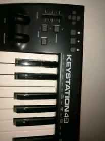 AKAI MPK49 keyboard USB/midi   in Kelvinbridge, Glasgow