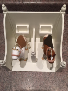 "Pottery Barn quality Horse stall with two 7"" tall horses - toy"
