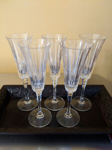 Beautiful 26 piece Mikasa stemware in excellent condition