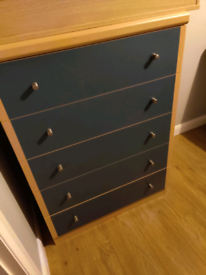 Chest of Drawers 5 Drawer in Great Condition