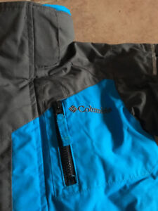 LIKE NEW ! COLUMBIA JACKET 4T( ONLY)