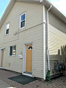 2 Bedroom - Close to downtown