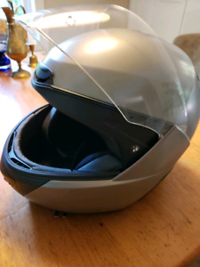 BMW system 5 modular helmet - reduced
