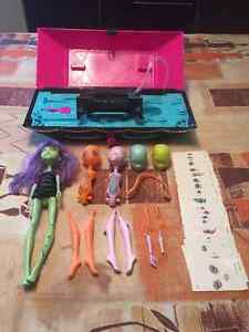 MONSTER HIGH CREATE A MONSTER LAB W/ DOLLS CHRISTMAS