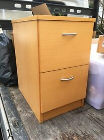 Filing cabinet / chest of drawers