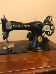 SINGER - Sewing Machine, Circa 1938's