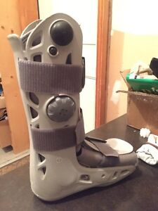 Aircast AirSelect Standard Walking Boot Brace Sz Small Kitchener / Waterloo Kitchener Area image 3