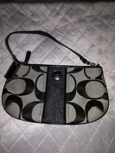 NEW COACH PURSE / CLUTCH!!