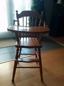 SOLID ROCK MAPLE HIGH CHAIR