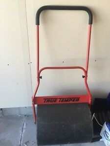 Free lawn roller
