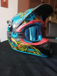 Fox v3 helmet  size L