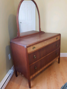 Beautiful Old Dresser with Mirror with Matching Headboard