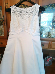 White Alfred Angelo Wedding Dress