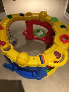 Child stand and sit play toy Kitchener / Waterloo Kitchener Area image 2