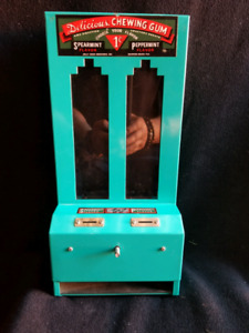 Vintage 1 cent Gum Machine