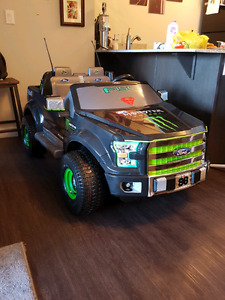 F 150 Battety operated Childrens Ride on