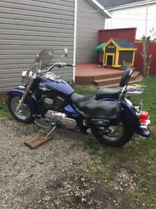 Selling 2005 Suzuki 800 excellent shape