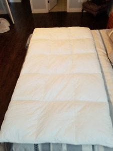 Twin Bed Feather Topper