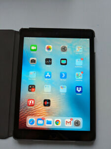 iPad Air 2 64GB with Cell Network 10/10 and Logitech Case