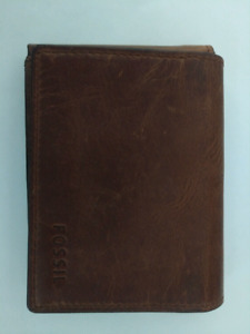 New Fossil Mens Leather Wallet