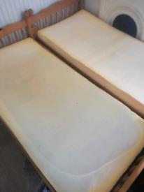 2 Memory foam mattresses