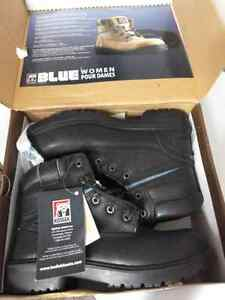 Woman size 7.5 steel toe work boots, brand new