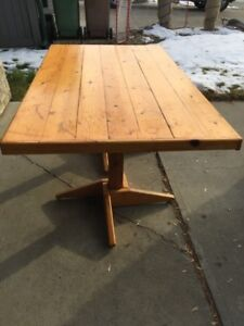 Quality Knotty Pine Kitchen Table