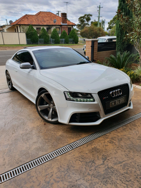 2011 AUDI RS5 LIMITED EDITION AWD 7SPD V8 IN TOP CONDITION