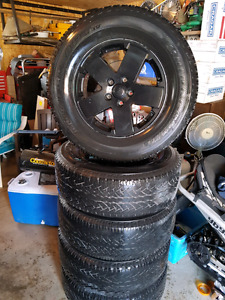 Set of 5 Jeep Wheels and tires