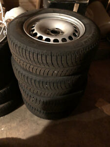 Michelin X-ICE 3 215/65 R16 on VW Tiguan Steel Wheels, < 5000 km
