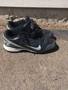 Junior Size 5 Nike cleats