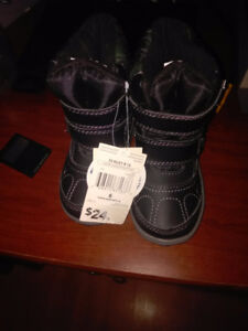 Brand new Size 6 Toddler camo boots