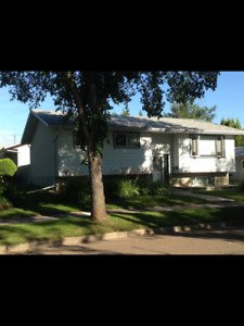 Fort Saskatchewan Fully Furnished & Equipped -Available Now