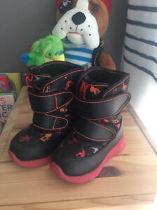 """Winter boots """"Cougar"""" - toddler size 6"""