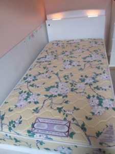 Kids Bed with Headboard , 2 Lamps and 3 Drawers