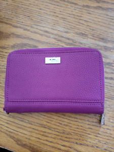 NWOT Jewell by 31 Wallet