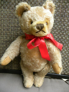 ANTIQUE STEIFF TEDDY BEAR WITH BUTTON IN EAR West Island Greater Montréal image 5