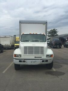 5 ton international  Single axle  24 feet box with moving ramp