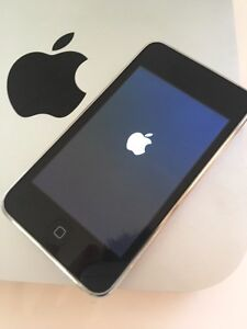 Excellent condition 32GB iPod Touch (3rd GEN) Black - BEST OFFER